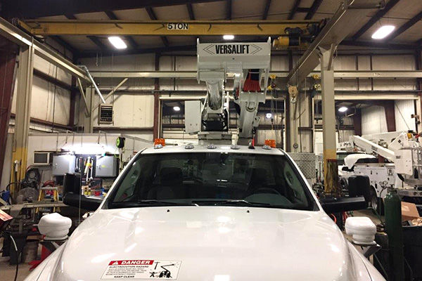 UTE's main shop for bucket truck service